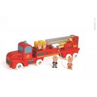 Drevené požiarnicke auto s posádkou